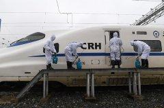广西南宁:列车消毒防疫情